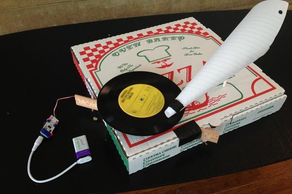 littleBits Pizza Box Phonograph