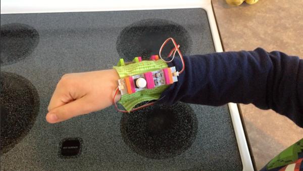 littlebits-alarm-wristband